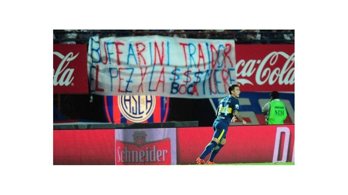 Una dura bandera contra Buffarini de la hinchada de San Lorenzo