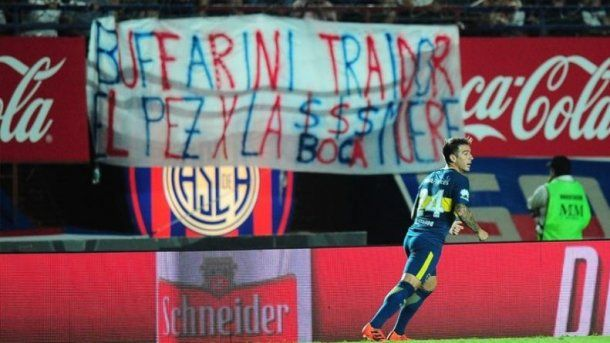 Una dura bandera contra Buffarini de la hinchada de San Lorenzo<br>