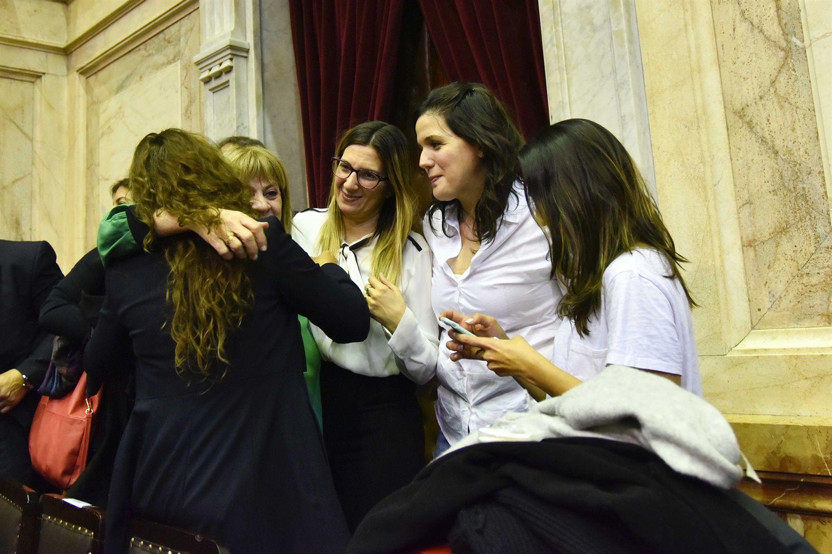 Celebración en el Congreso tras la sanción de la Ley Brisa