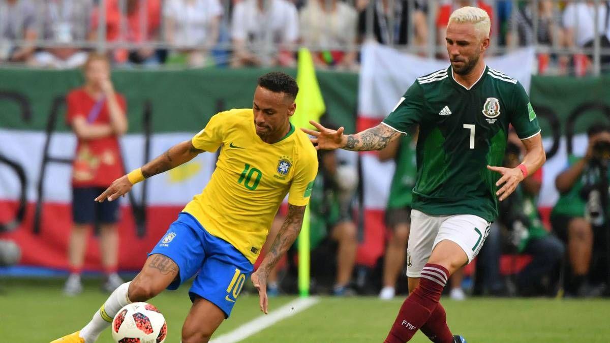 Amenazaron a Layún por pisar a Neymar en México-Brasil