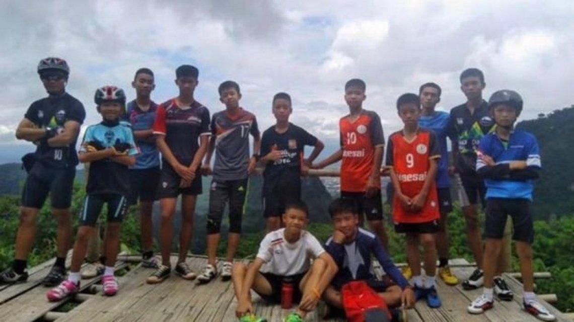Los chicos rescatados de una cueva en Tailandia.