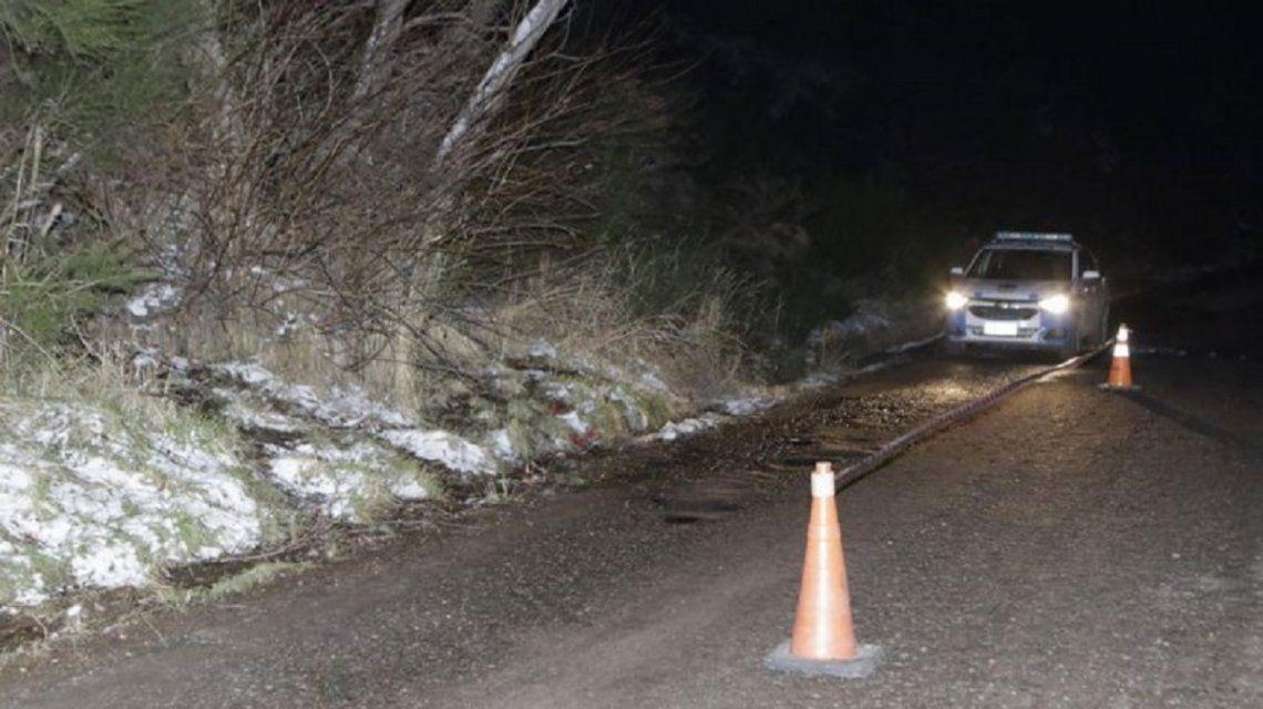 NEUQUÉN: Encontraron a dos adolescentes atadas a un árbol: una estaba en shock y otra desmayada