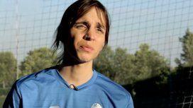 Ama jugar al fútbol, cambió de género y ahora lucha por ser federada