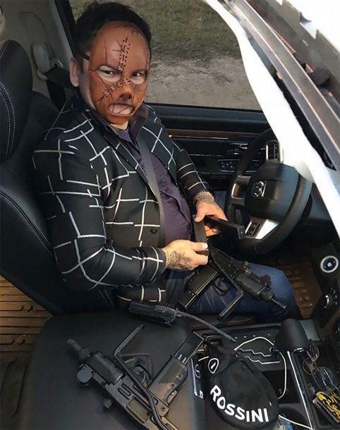 El Chino Maidana en su camioneta con ametralladoras<br>