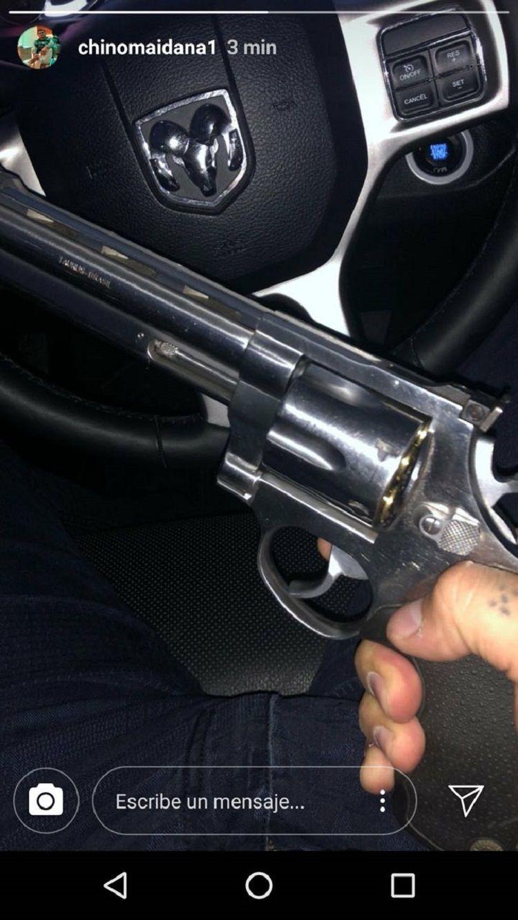 Tatuaje tumbero y revólver