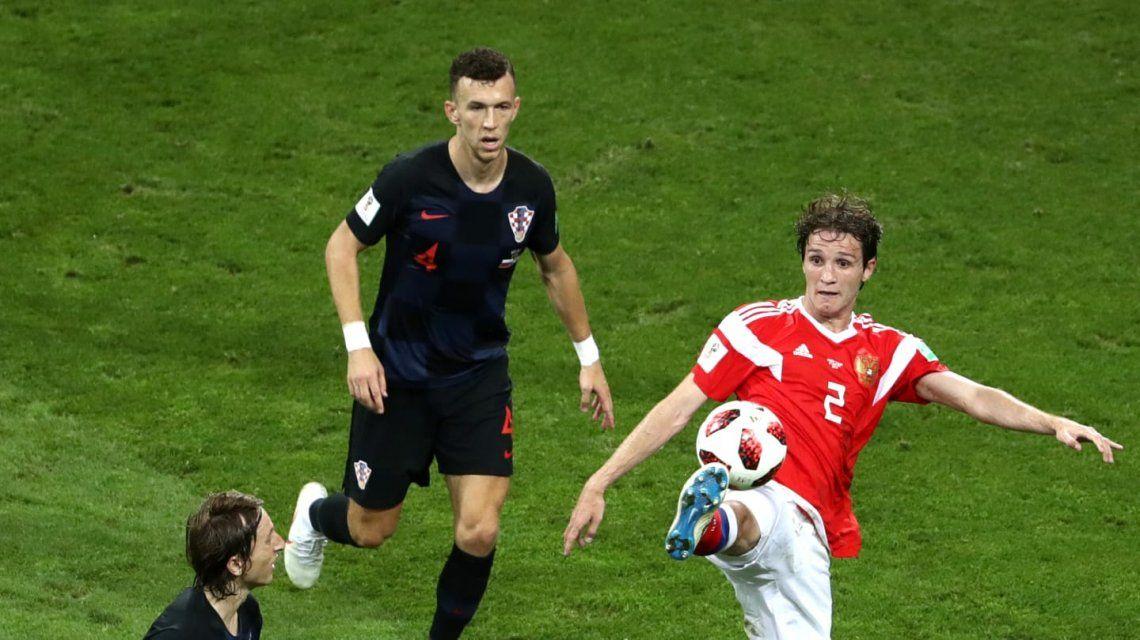 Mario Fernandes en la selección de Rusia - Crédito:fifa.com