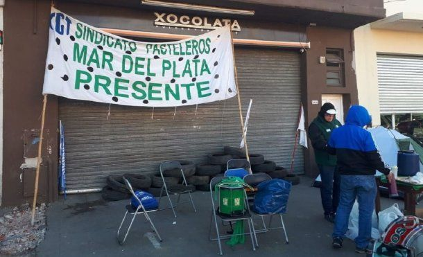Trabajadores de La Boston protestan contra los despidos - Crédito: 0223