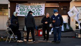 Trabajadores de La Boston protestan contra los despidos - Crédito: quedigital.com.ar