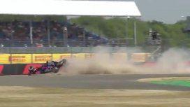 Espectacular choque durante una práctica de la Fórmula 1: el piloto salió ileso