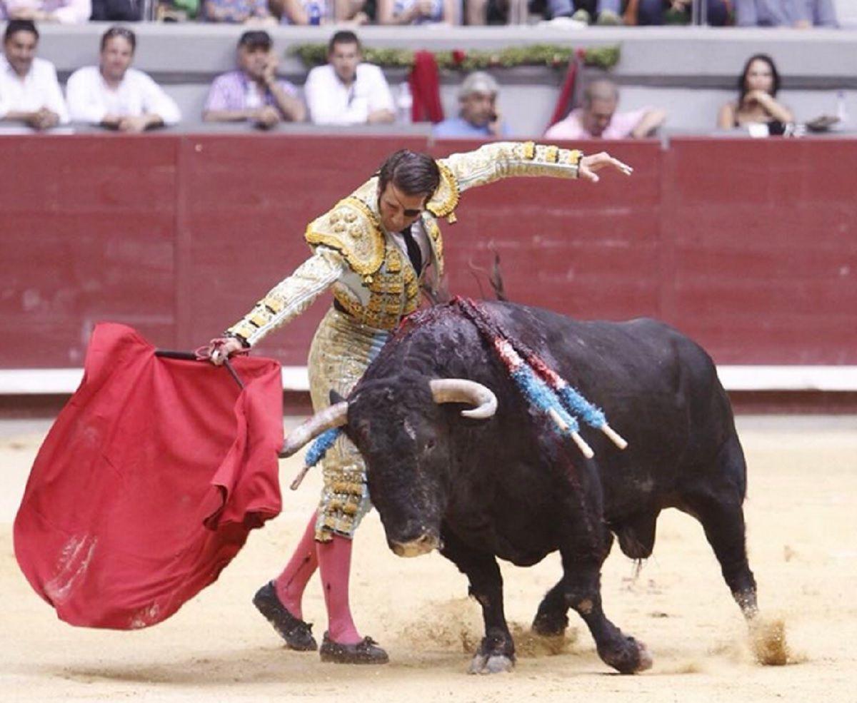 Un toro le arrancó parte del cuero cabelludo a Juan José Padilla en una corrida