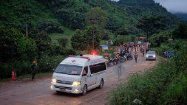 El mejor final: los chicos y el entrenador fueron rescatados de la cueva en Tailandia