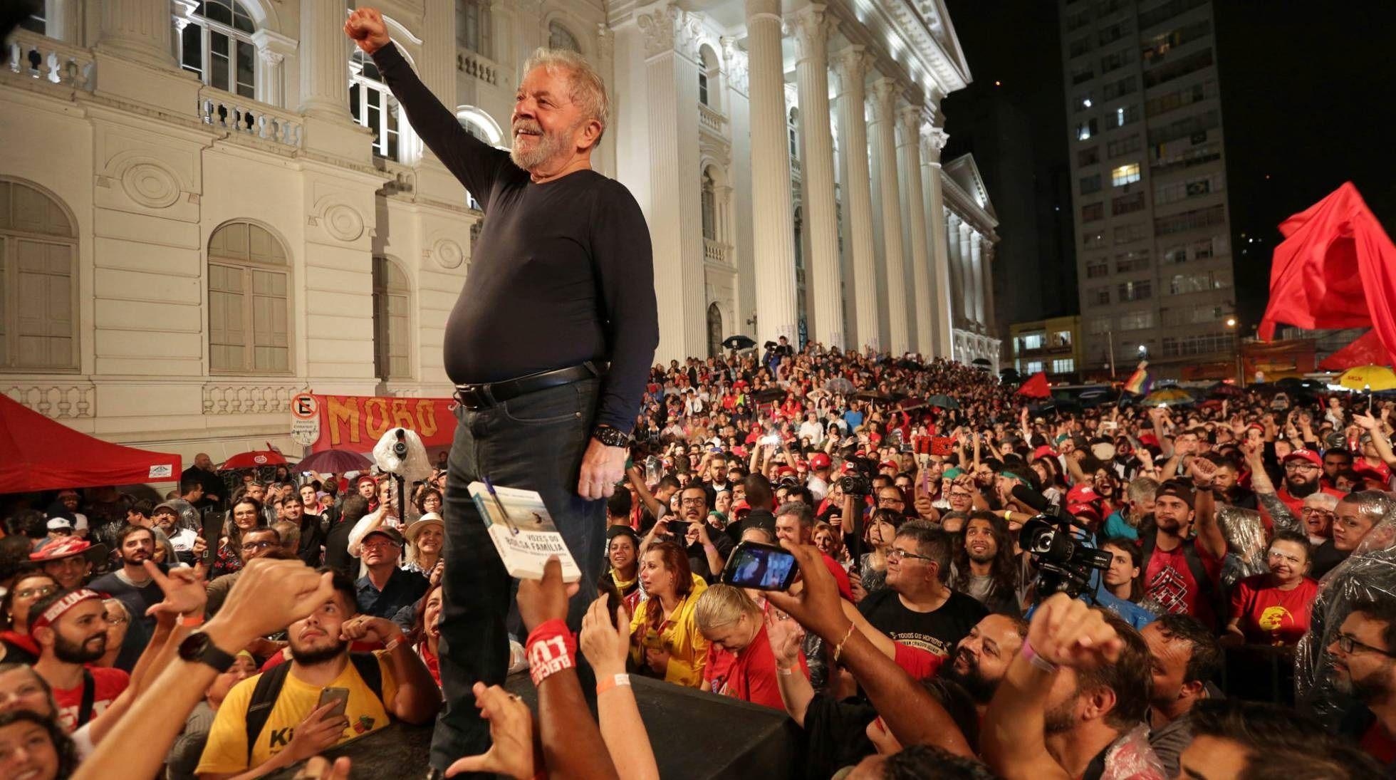 Suspendieron la cautelar que podría haber permitido la excarcelación de Lula