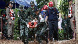 Rescate en la cueva de Tailandia, día 2: ya sacaron a ocho chicos atrapados