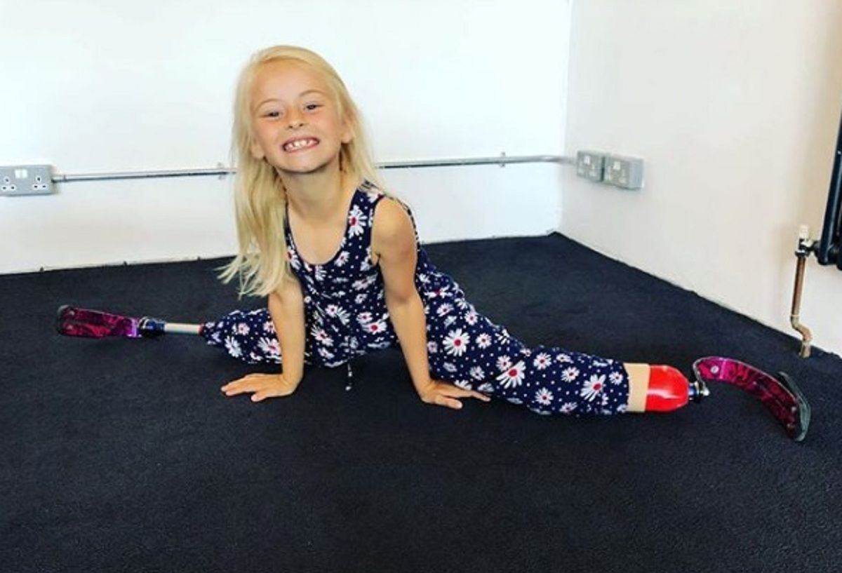 A Daisy-May Demetrees le amputaron las piernas
