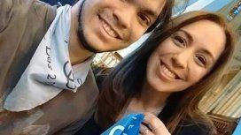 Vidal ratificó su postura en contra del aborto y se sacó una foto con el pañuelo provida