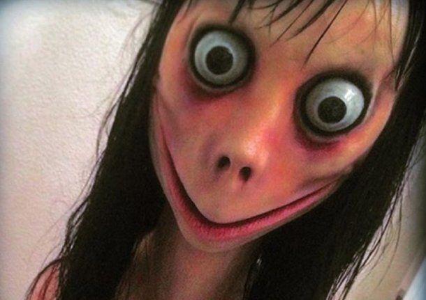 Denuncian que Momo amenazó a una adolescente en Neuquén