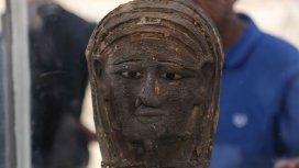 Egipto: descubrieron en una máscara de momia bañada en oro