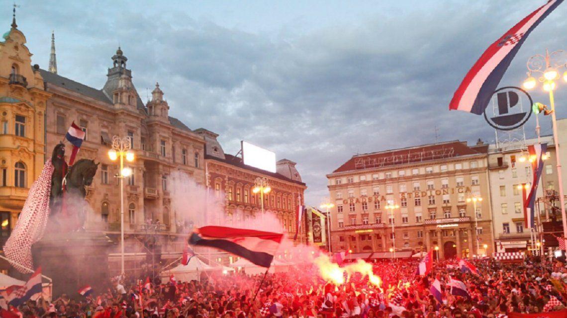 Croacia festejó el histórico subcampeonato con una multitud salió a la calle en Zagreb