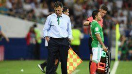 Escándalo en México: el DT de la Selección llevó a su esposa y a su amante al Mundial