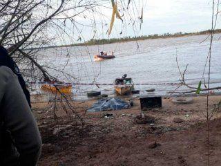 naufragio en el rio parana: murio un hombre y otros cuatro estan desaparecidos