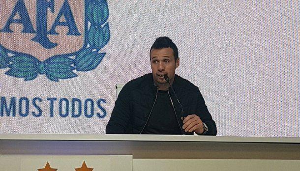 Matías Lucuix es el DT de la Selección de futsal