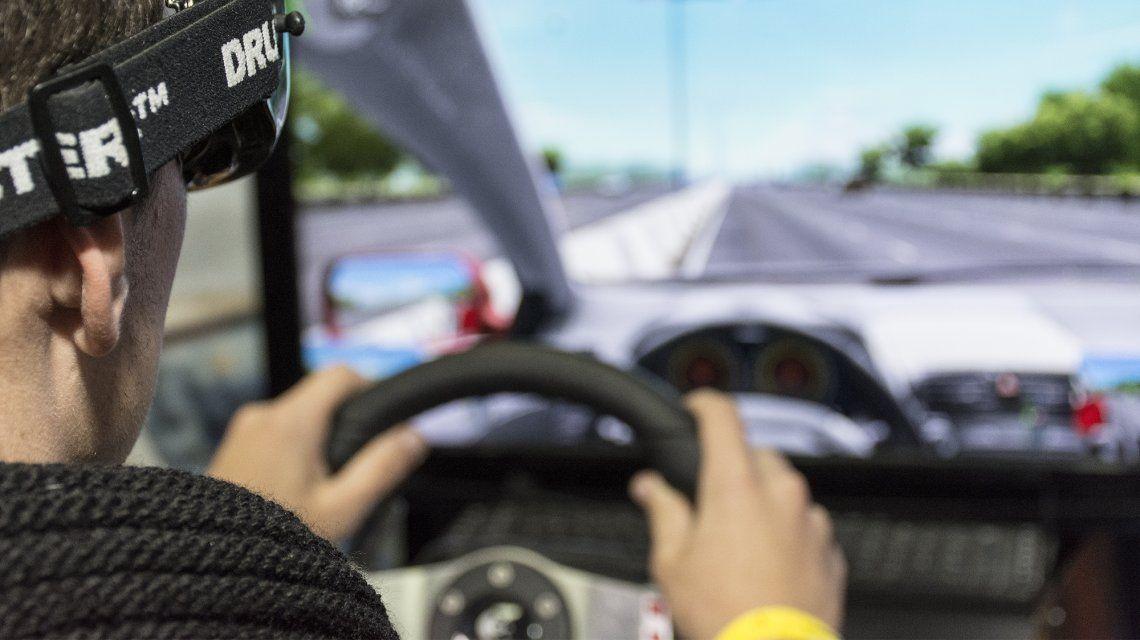 Morón usa simuladores para alertar del peligro del alcohol al volante