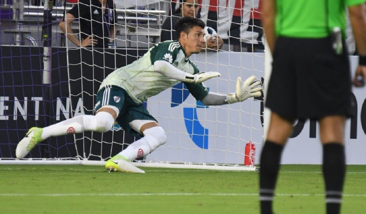 Esteban Bologna atajó un penal y ganó el Millonario