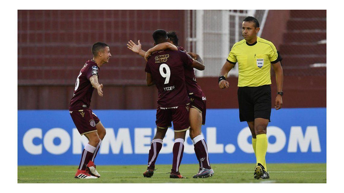 Lanús superó a Sporting Cristal en la primera ronda de la Copa Sudamericana