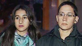 La joven agredida y su mamá
