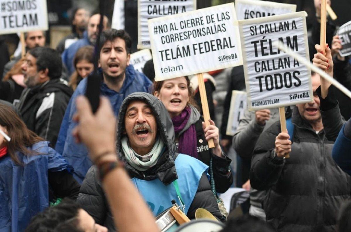 Protesta de trabajadores de Télam en Olivos - Crédito:@somostelam