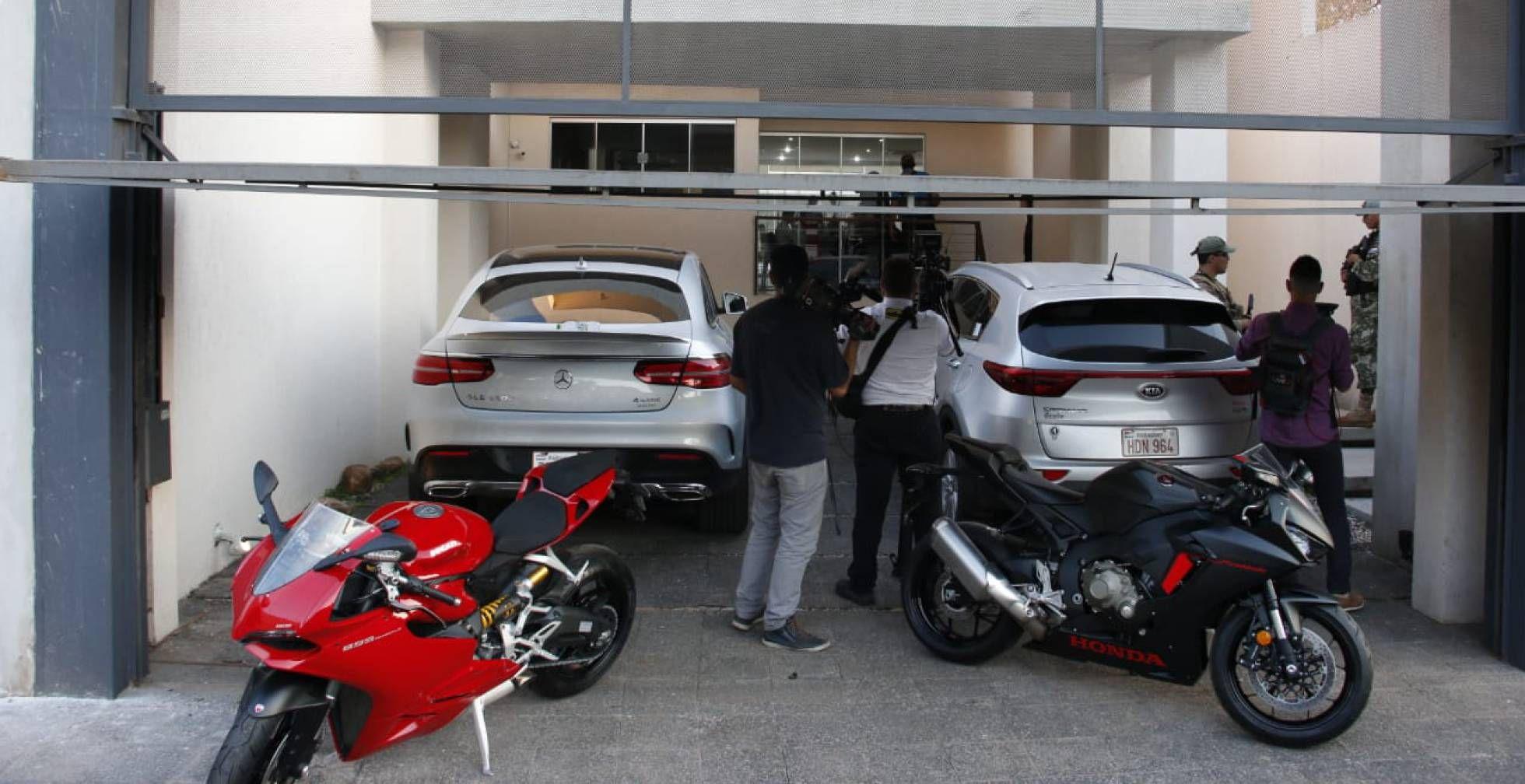 El estacionamiento de la casa de Eduardo Aparecido.SENAD