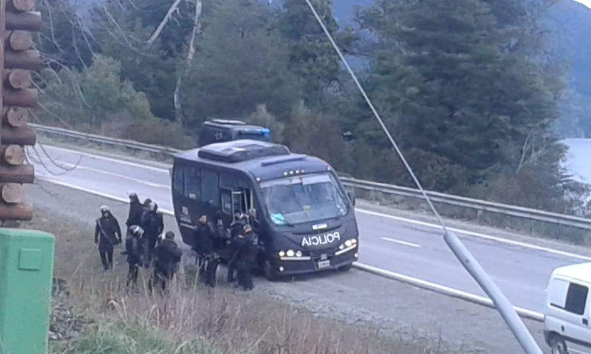 Represión a los Mapuche en Villa Mascardi - Crédito:@Argengchogau