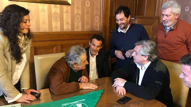 Pepe Mujica con el Grupo Callao que lidera Alberto Fernández