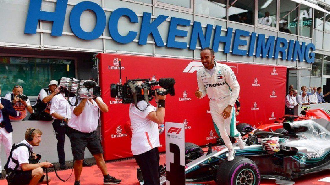 Hamilton vuelve a liderar la F1 tras una remontada espectacular en Alemania