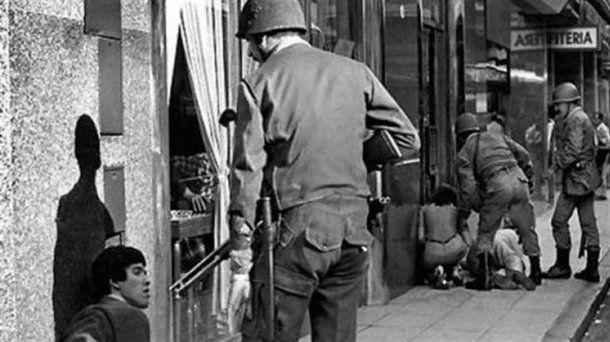 En la dictadura, las Fuerzas Armadas actuaban en las calles<br>