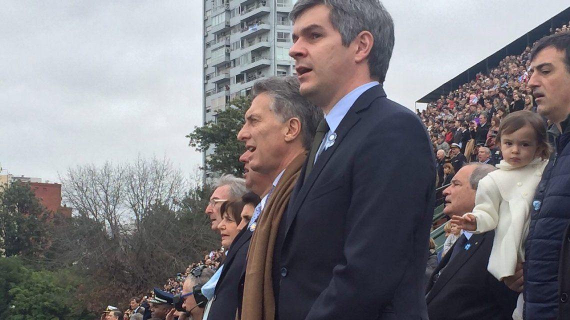 Mauricio Macri en el desfile del Bicentenario