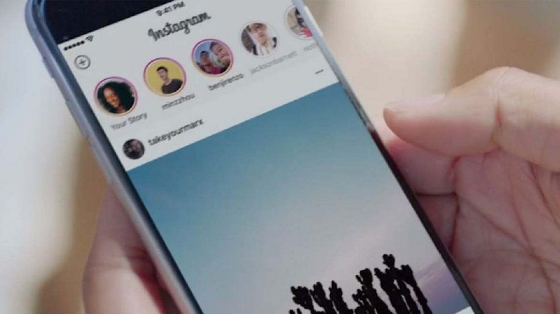 Instagram prueba elegir en qué países pueden reproducirse tus Stories