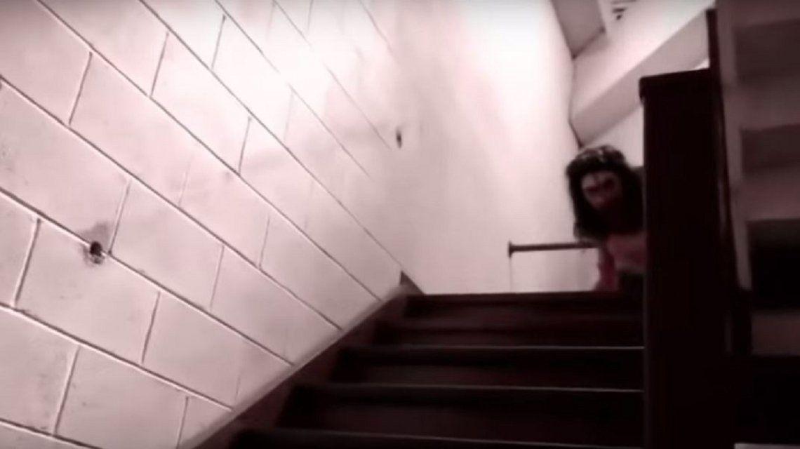 Momo apareció para atormentar a un joven