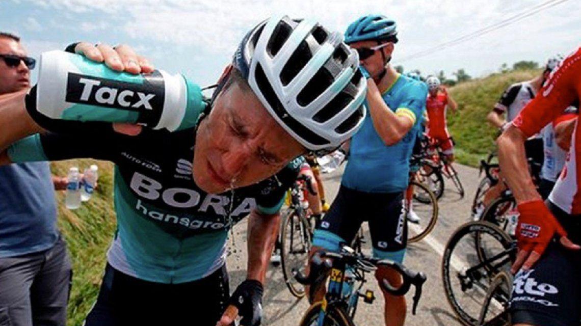 ¿Esto es Boca? El Tour de France, conmocionado por un ataque con gas pimienta