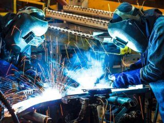 los salarios industriales estan un 40% mas bajos que en 2015