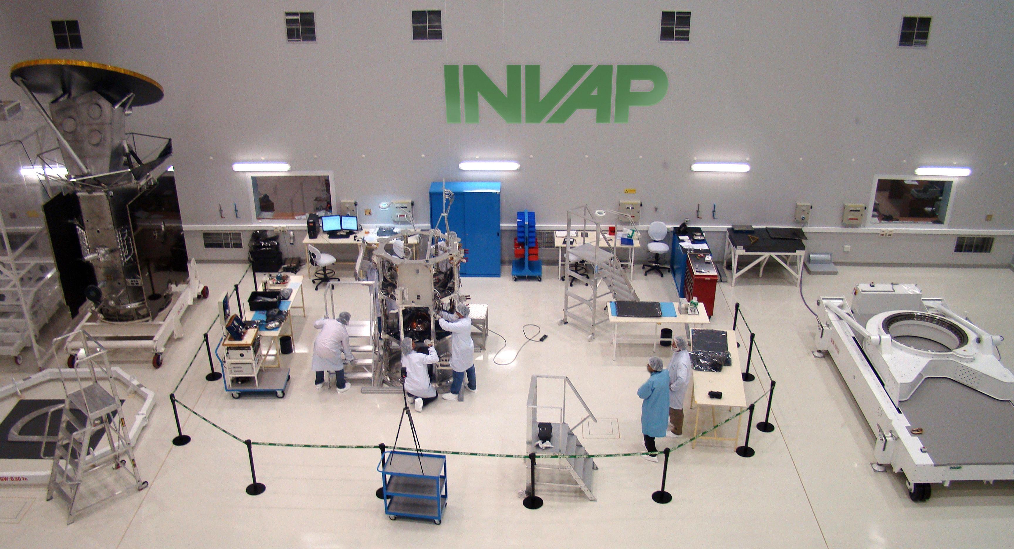 No hay plata, dijo Macri en el INVAP y sembró dudas sobre los proyectos por US$1.000 millones