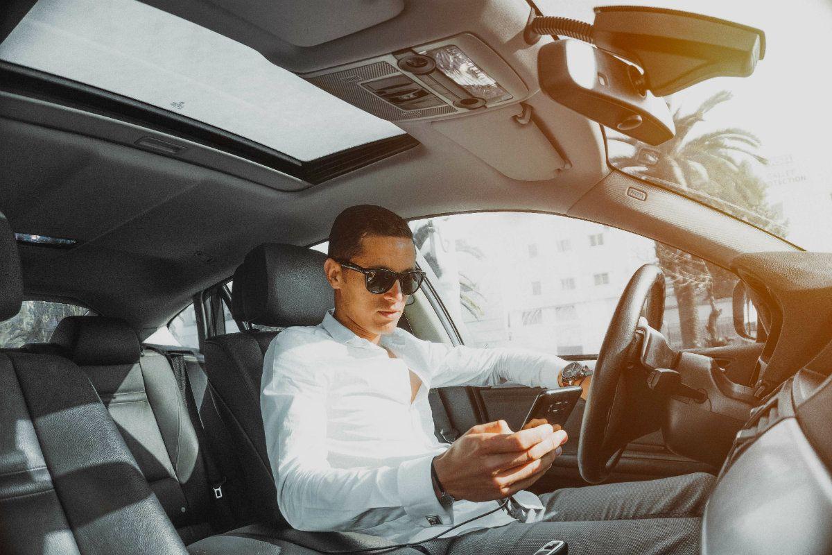 Los choferes de Uber pueden cobrar extra para mantener sus autos impecables