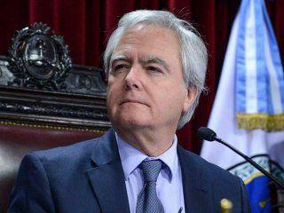 ¡quien tuviera plata para comprar!: el tuit de pinedo sobre los bonos argentinos