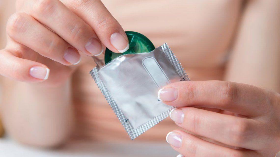 No da ni para polémica: la explicación científica sobre la efectividad del preservativo para prevenir el SIDA
