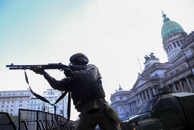 Los militares podrán dar apoyo logístico a las policías