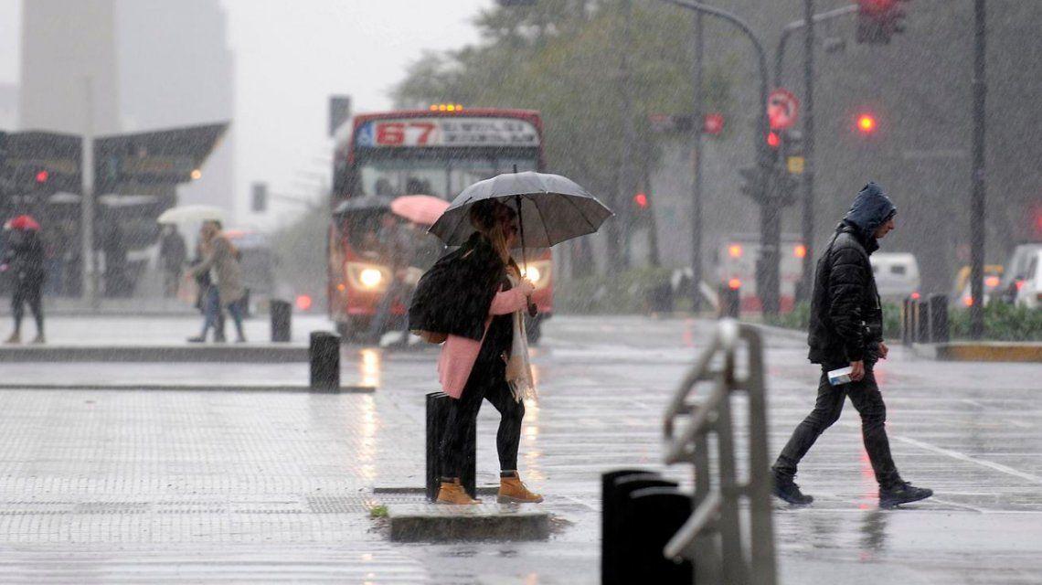 Alerta por tormentas fuertes y caída de granizo en la Ciudad