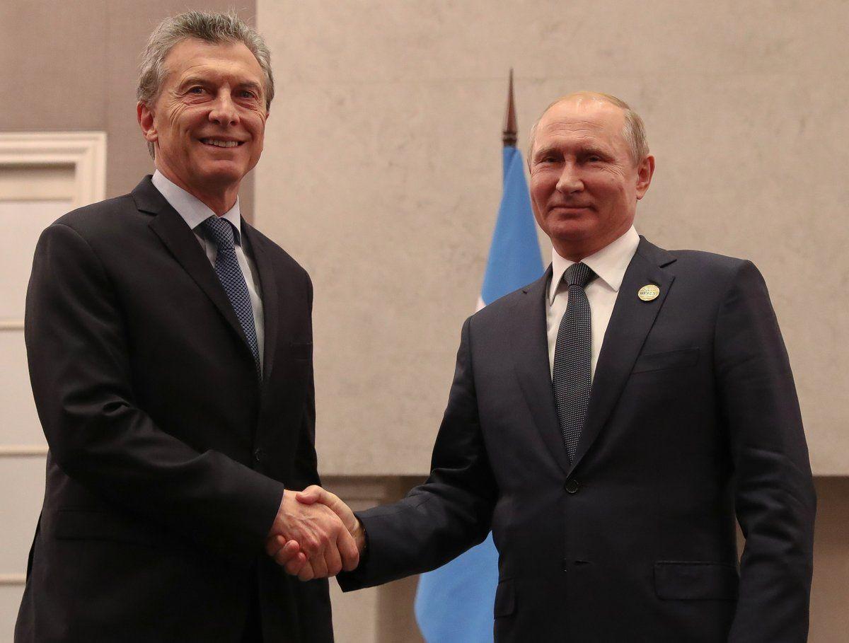 Macri y Putin en la cumbre del BRICS - Crédito:@mauriciomacri