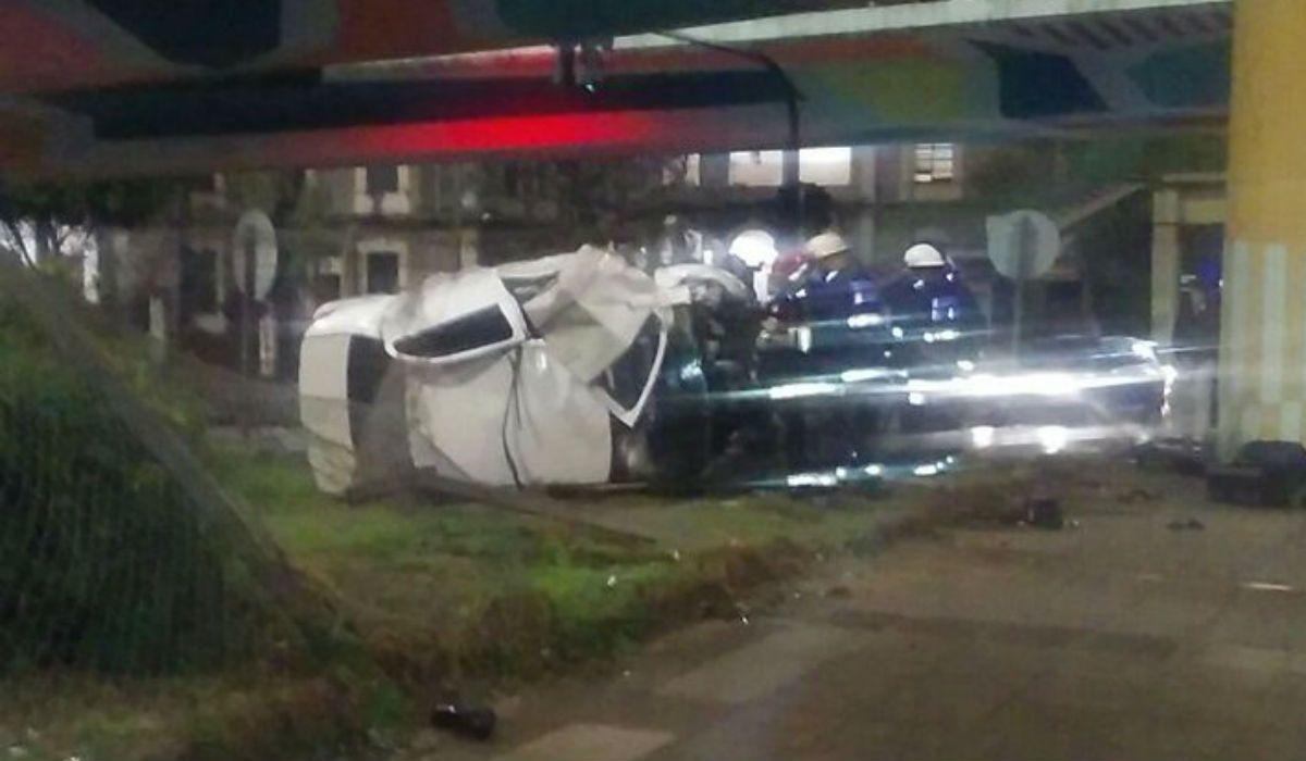 El auto cayó desde General Paz a Avenida Libertador