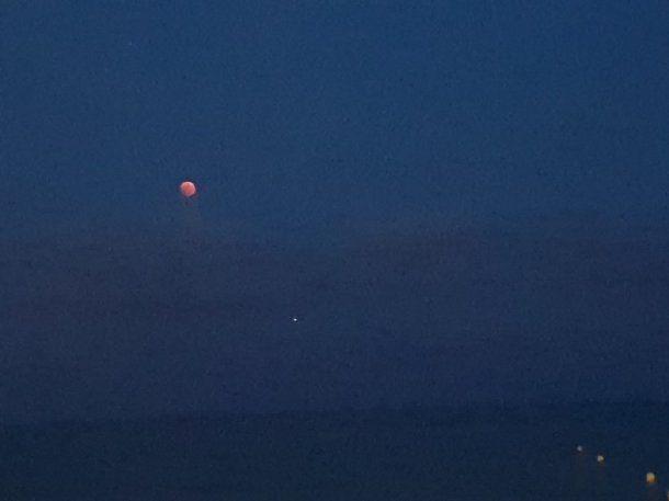 Eclipse de Luna roja - Crédito: @KyraSlvy<br>