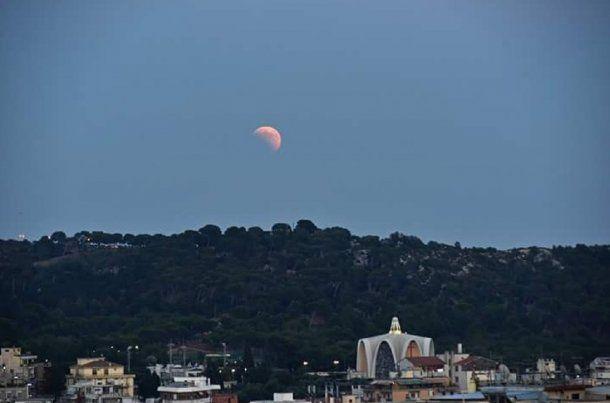 Eclipse de Luna roja - Crédito: @soycampidanesa<br>